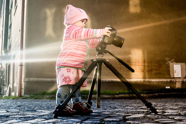 kid-holding-camera-photo-16