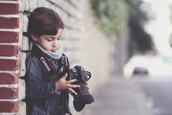 kid-holding-camera-photo-23