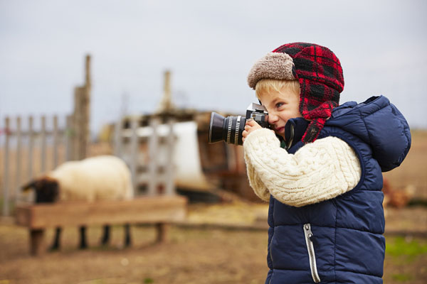 kid-holding-camera-photo-24