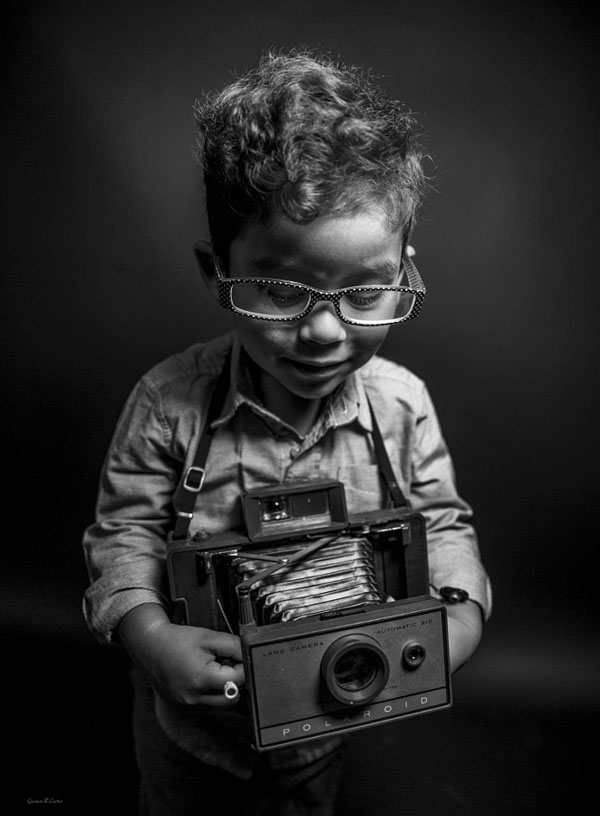kid-holding-camera-photo-26
